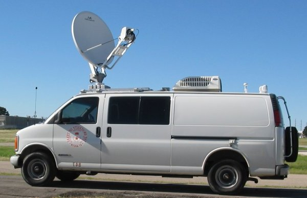 fbi_van_with_satelite.jpg